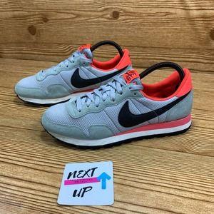 Nike Wmns Air Pegasus 83 Grey/Bright Crimson 10